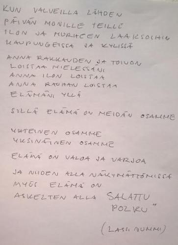 Joogaopettaja Erna Koljosen esittämä runo